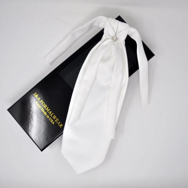 Groom's White Tie Styles