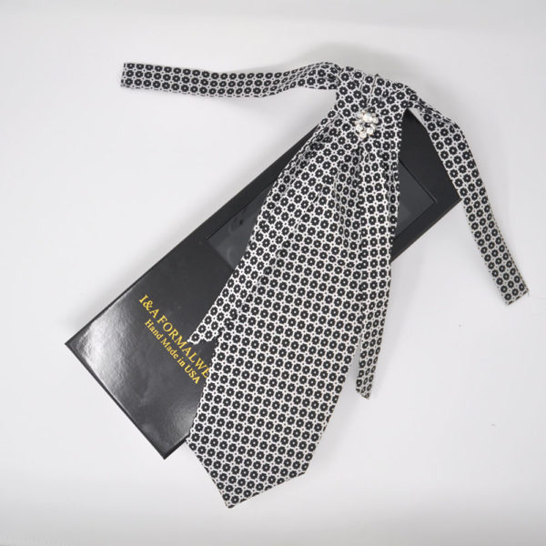 Groom's Necktie Styles
